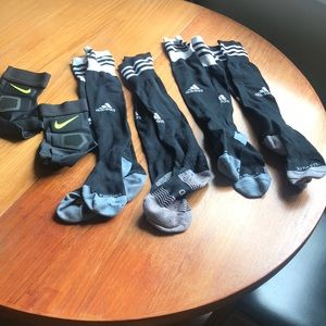 Ankle supports and 4 pairs of soccer socks